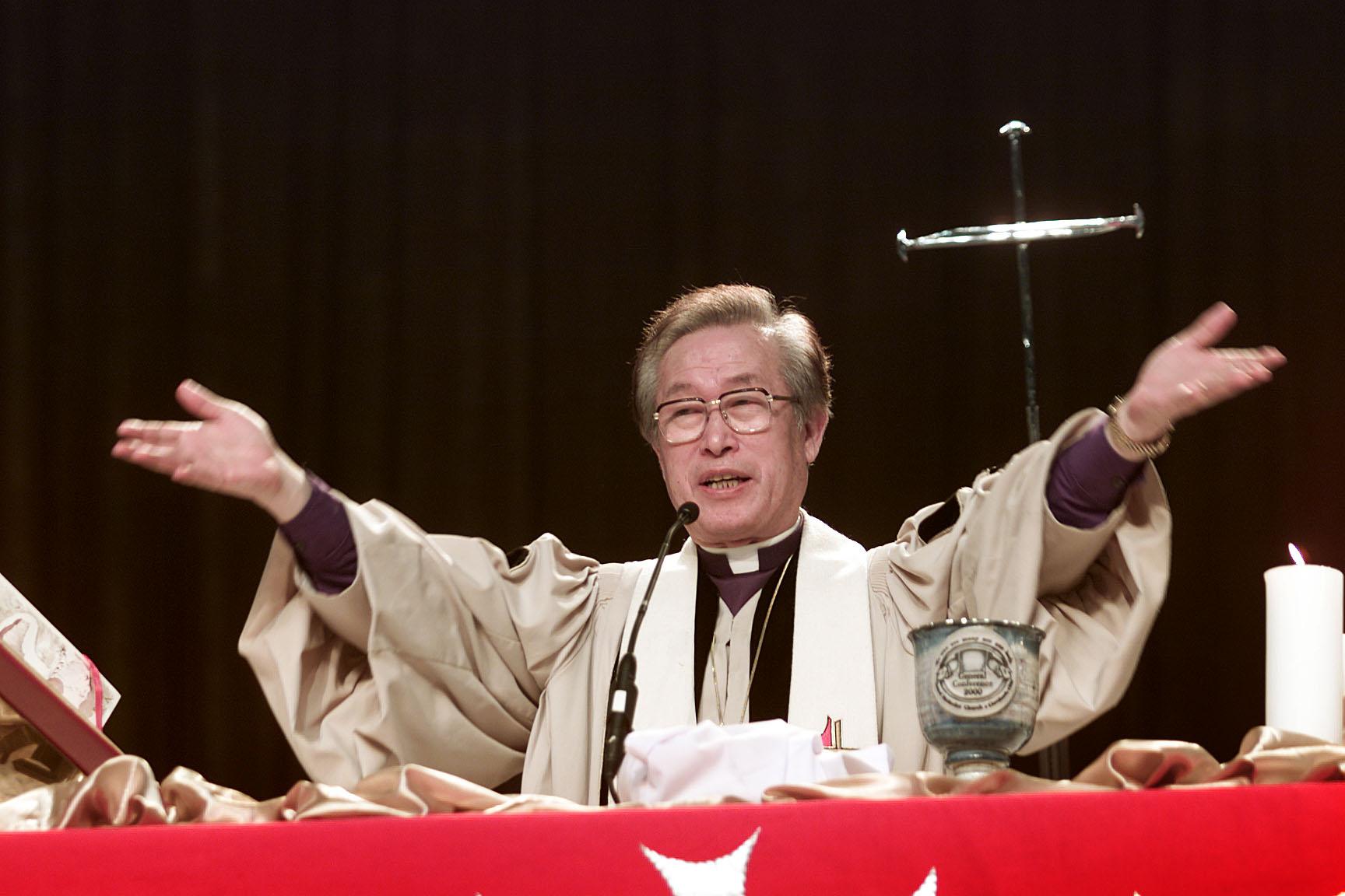 A United Methodist Bishop's Reading List - Juicy Ecumenism
